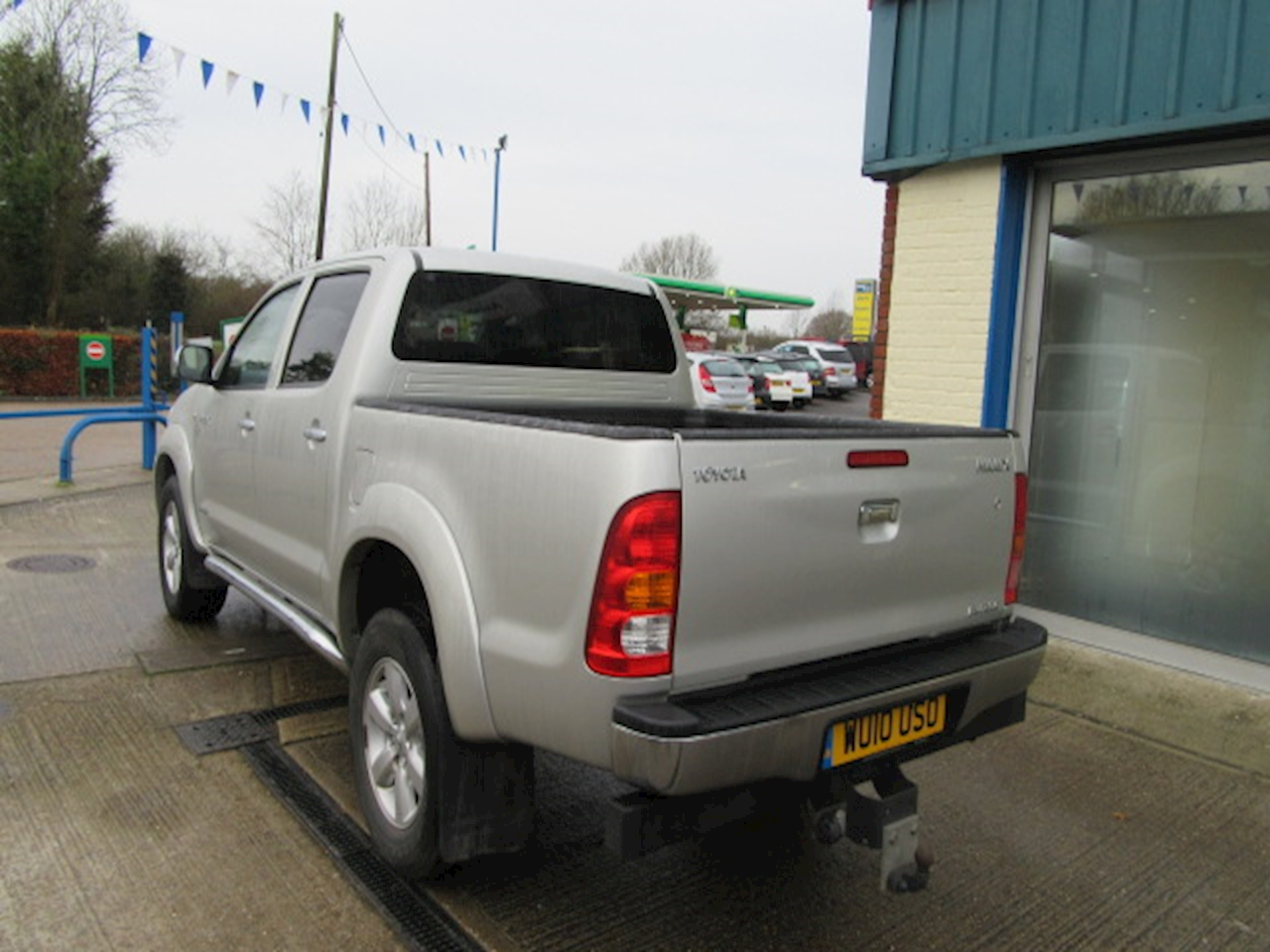 used toyota hilux invincible 4x4 d 4d dcb ashdene garage. Black Bedroom Furniture Sets. Home Design Ideas