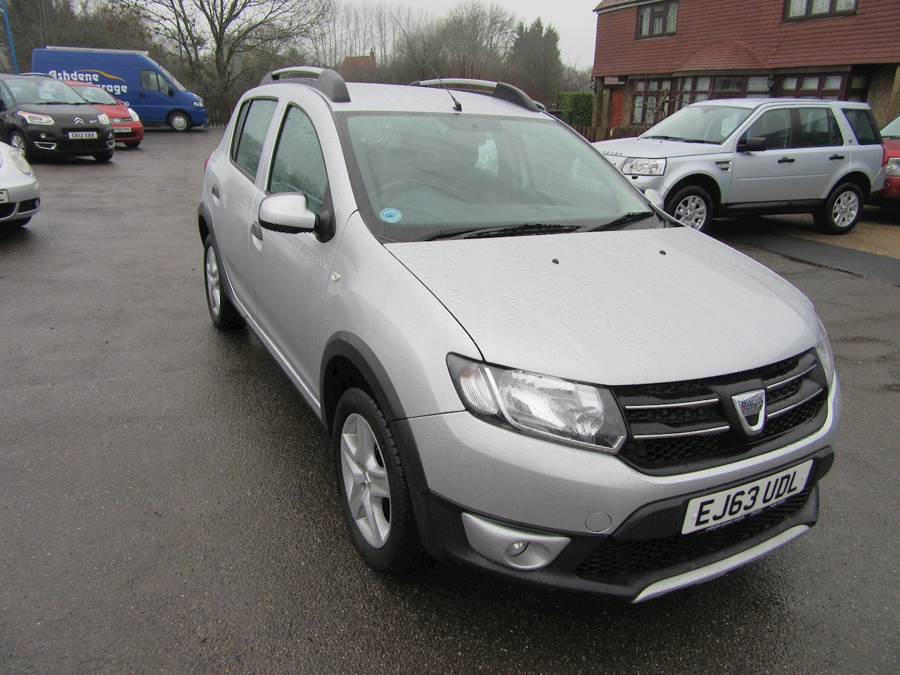 used dacia sandero stepway laureate tce ashdene garage. Black Bedroom Furniture Sets. Home Design Ideas