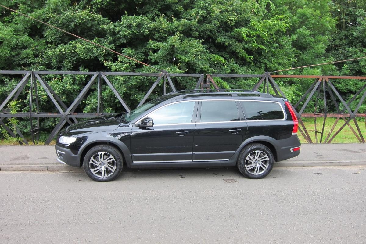 used volvo xc70 d5 se nav awd 2014 carpenters autocare. Black Bedroom Furniture Sets. Home Design Ideas