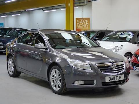 Vauxhall Insignia Exclusiv 2011