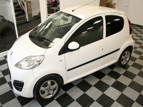 2013 '63' Peugeot 107 Allure 1.0 5dr Manual Petrol