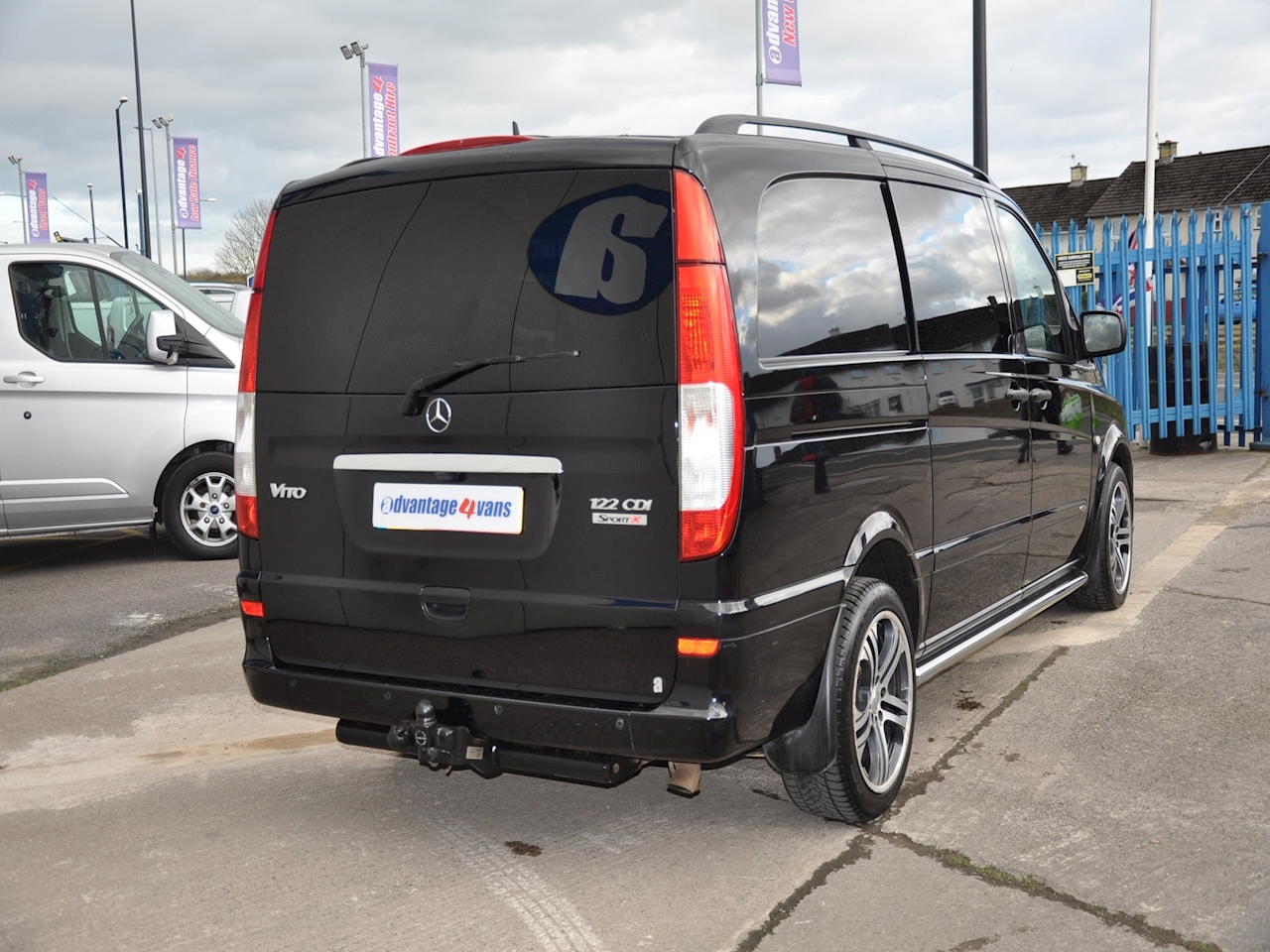 used mercedes vito 122 cdi dualiner sport x brabus 2013 advantage4vans. Black Bedroom Furniture Sets. Home Design Ideas