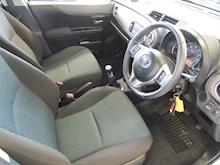 Toyota Yaris D-4D Tr - Thumb 11