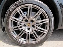 Porsche Cayenne - Thumb 18
