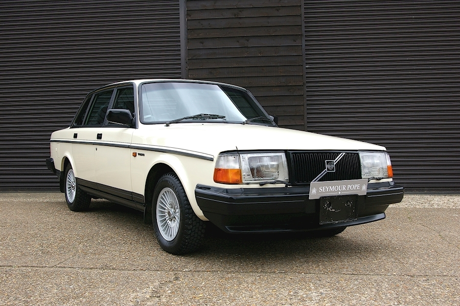 Volvo 240 GLT LIMITED Automatic Saloon
