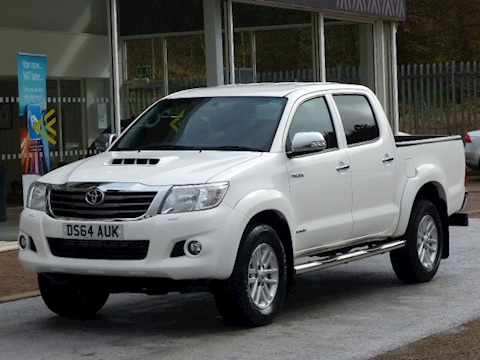 Toyota Hilux D-4D 170ps Invincible 4X4 Double Cab Pick Up With Sat Nav & Leather