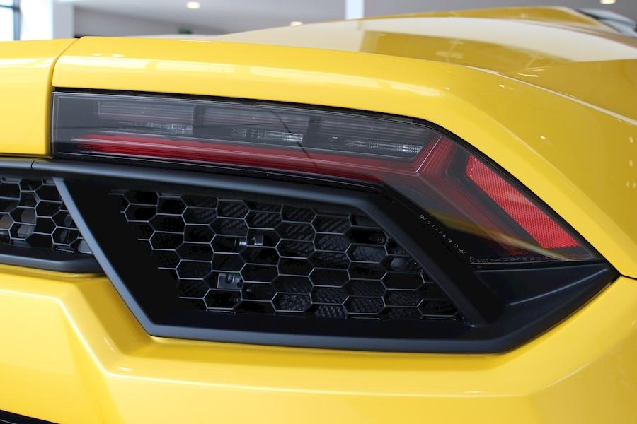 Lamborghini Huracan LP SPYDER 5.2 - Large 16