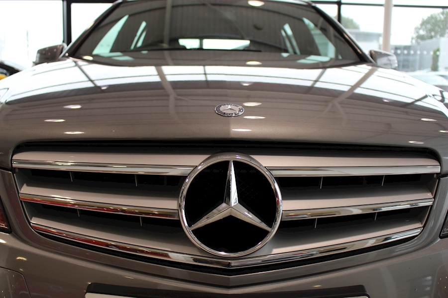 Mercedes C Class C250 Cdi Blueefficiency Amg Sport - Large 16