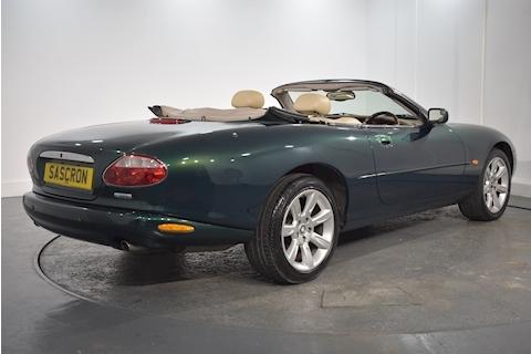 Jaguar – Xk8 Convertible Sports 4.2 Automatic Petrol (2003) full